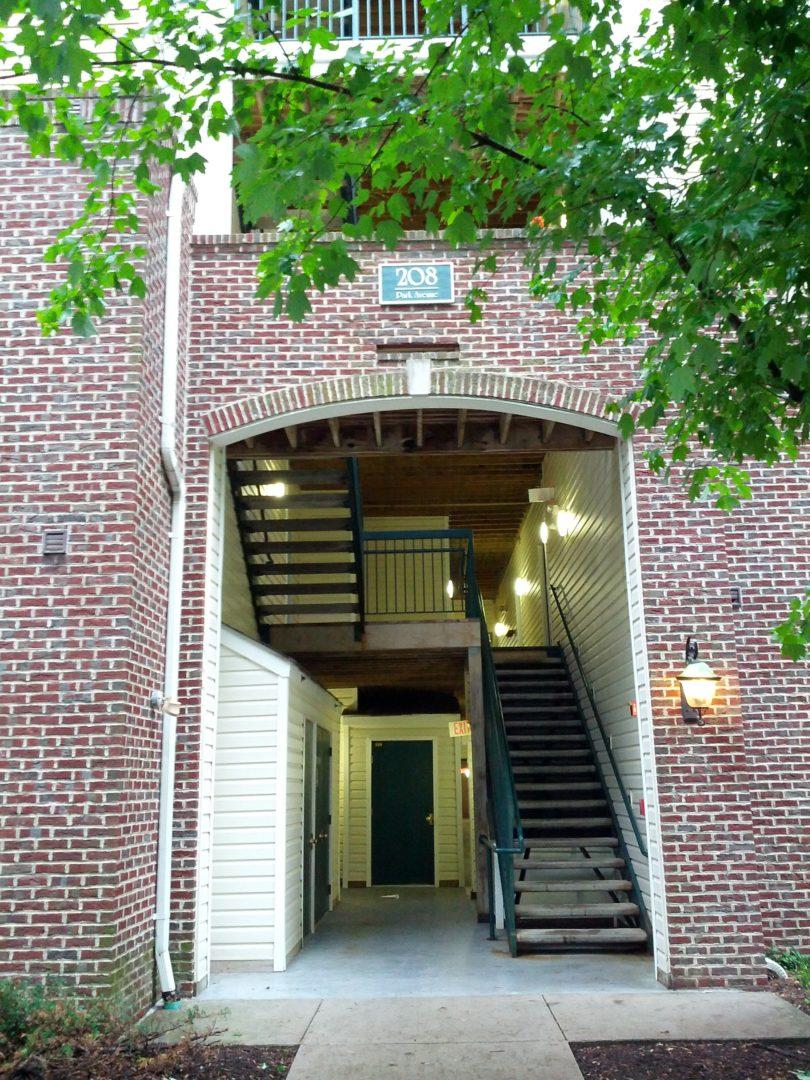 Добри условия за студентска бригада - house in USA